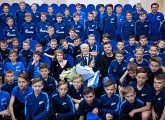 Gazprom Academy players met war hero and former goalkeeping coach Vladimir Savin