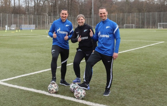 Vladimir Bystrov and Oleg Vlasov train with Zenit women's team!