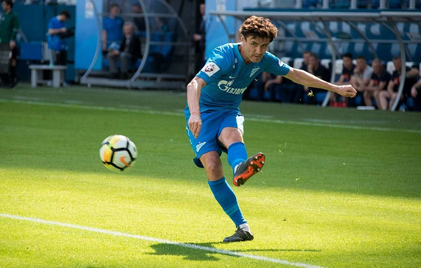 Yuri Zhirkov has extended his Zenit contract for a further year