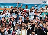 Vyacheslav Malafeev takes part in Mission Possible with local children