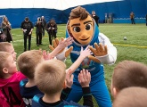 The Euro 2020 mascot Skillzy visited the Gazprom Academy