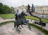 """I feel very proud!"": AVB and Malafeev washed the Peter the Great monument"