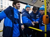 Photos of the team launching two new city buses in Zenit colours