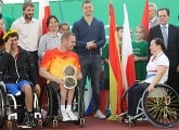 Club Good Deeds: Mikhail Kerzhakov awarded the prizes to the winners of the MegaFon DreamCup tournament for wheelchair tennis