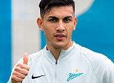 Arsenal v Zenit: Leo Paredes scoes direct from a corner as Zenit draw