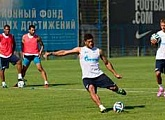 Zenit training before playing AEL