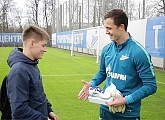 Zenit-TV: Andrey Lunev receiving his «G-Drive player of the month for April award