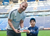 Branislav Ivanovic and Andrey Lunev pick up their G-Drive player of the month awards