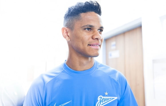 Douglas Santos Steps Up To Be The Zenit Mascot For Chairty