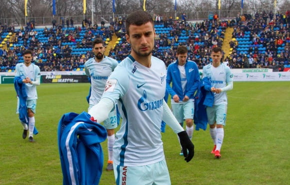 Emanuel Mammana is out for between 6 and 9 months
