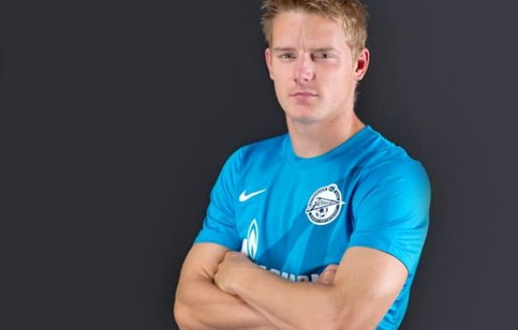 Hubocan signs contract extension with Zenit