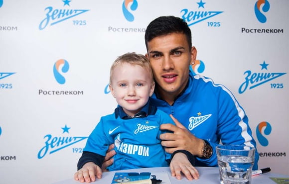 Paredes and Driussi met with Rostelecom customers in St. Petersburg